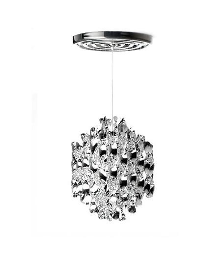 DesignVerner Panton for Verpan  Koncept Spiral serien fra Verpan er Verner Pantons bud på orden i kaos.  Pendlen hænger med mange spiraler i sirlig ro og orden. Dette skaber ikke bare en behagelig diffus spredning af lyset men rummet tilføres en form for tæmmet energi i det kunstværk som SP1 i Sølv er.