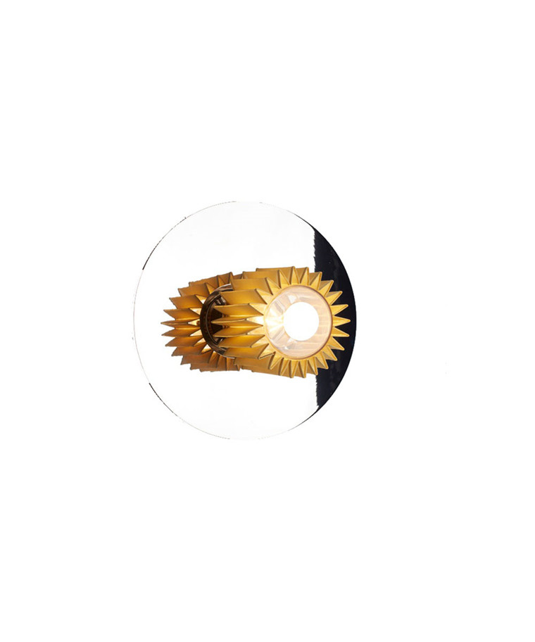 In The Sun Vegglampe 270 Sølv/Gull - DCW