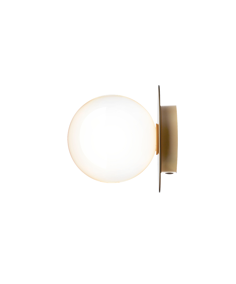 Liila 1 Vägglampa/Plafond Nordic Gold/Opal White - Nuura