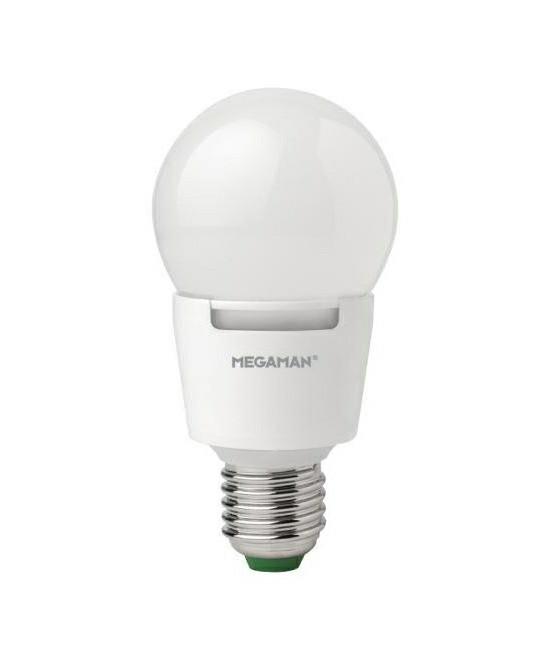 Producent MegamanKoncept Dæmpbar LED pære.  Den har 650lm, hvilket svarer til ca. 40-60W. Hvis du har det lidt svært med det, med pærer, kommer der her en lille kort forklaring om de vigtigste ting, du skal være opmærksom på.  I dag bliver lysstyrken målt på lumen i stedet for watt. Du kan nogenlunde gå ud fra nedenstående.  15W = 140 lumen  25W = 250 lumen  40W = 470 lumen  60W = 800 lumen  75W = 1050 lumen  100W = 1520 lumen Derudover kan man også se på en pære, at der er oplyst en RA eller CRI værdi. Det er lysets evne til at gengive farver og det vurderes på en skala fra 0-100 RA.  100 RA giver den bedste farvegengivelse og det er det, man får fra dagslys.  Til et almindeligt hjem, skal man vælge pærer med en RA værdi på mere end 80.  Der vil også være oplyst en kelvingrad. Dette er lysets farve. En pære med en kelvingrad på 2.700 - 3.000 har et varmt lys.  4.000-4.5000 giver et neutral til køligt lys og er den mest optimale lysfarve at arbejde i.  Hvis man har brug for ekstra ener