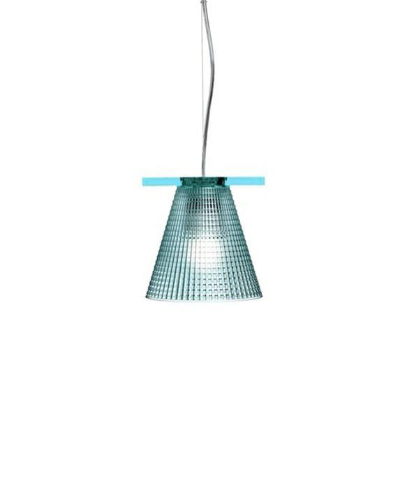 DesignEugeni Quitllet for KartellKoncept Light Air Pendel Sculped Lys Blå - Kartell er en sjov lampe, som kan bruges de steder, hvor man gerne vil have lidt knald på. Knald på farverne og knald på udseendet. Det er det Kartell kan. Give os én på opleveren med deres belysning både hvad angår design og materialer. Light Air fås i flere versioner - bord, væg og pendel og i flere farver.