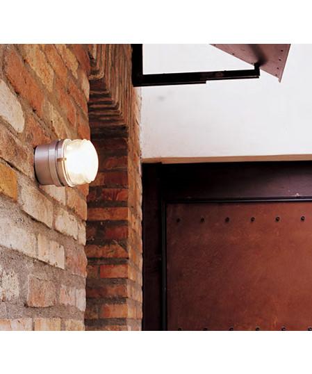 Fresnel grå væglampe