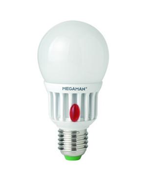 Producent MegamanKoncept LED pære, med skumring sensor. Den tænder når det er mørkt og slukker når det er lyst.  Den har 600lm, hvilket svarer til ca. 40-60W. Hvis du har det lidt svært med det, med pærer, kommer der her en lille kort forklaring om de vigtigste ting, du skal være opmærksom på.  I dag bliver lysstyrken målt på lumen i stedet for watt. Du kan nogenlunde gå ud fra nedenstående.  15W = 140 lumen  25W = 250 lumen  40W = 470 lumen  60W = 800 lumen  75W = 1050 lumen  100W = 1520 lumen Derudover kan man også se på en pære, at der er oplyst en RA eller CRI værdi. Det er lysets evne til at gengive farver og det vurderes på en skala fra 0-100 RA.  100 RA giver den bedste farvegengivelse og det er det, man får fra dagslys.  Til et almindeligt hjem, skal man vælge pærer med en RA værdi på mere end 80.  Der vil også være oplyst en kelvingrad. Dette er lysets farve. En pære med en kelvingrad på 2.700 - 3.000 har et varmt lys.  4.000-4.5000 giver et neutral til køligt lys og er den me