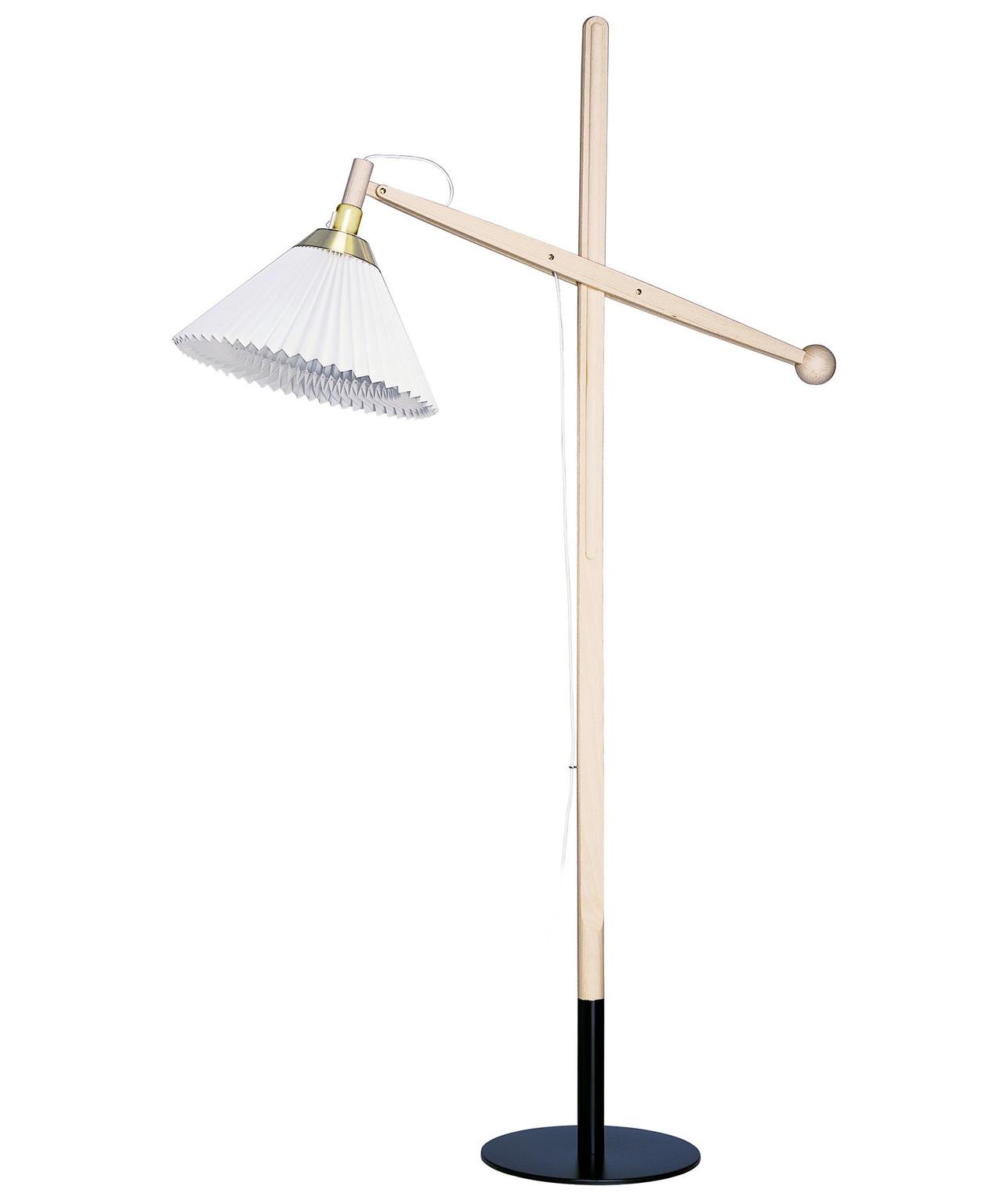 Le Klint 325 Gulvlampe Eg - Le Klint