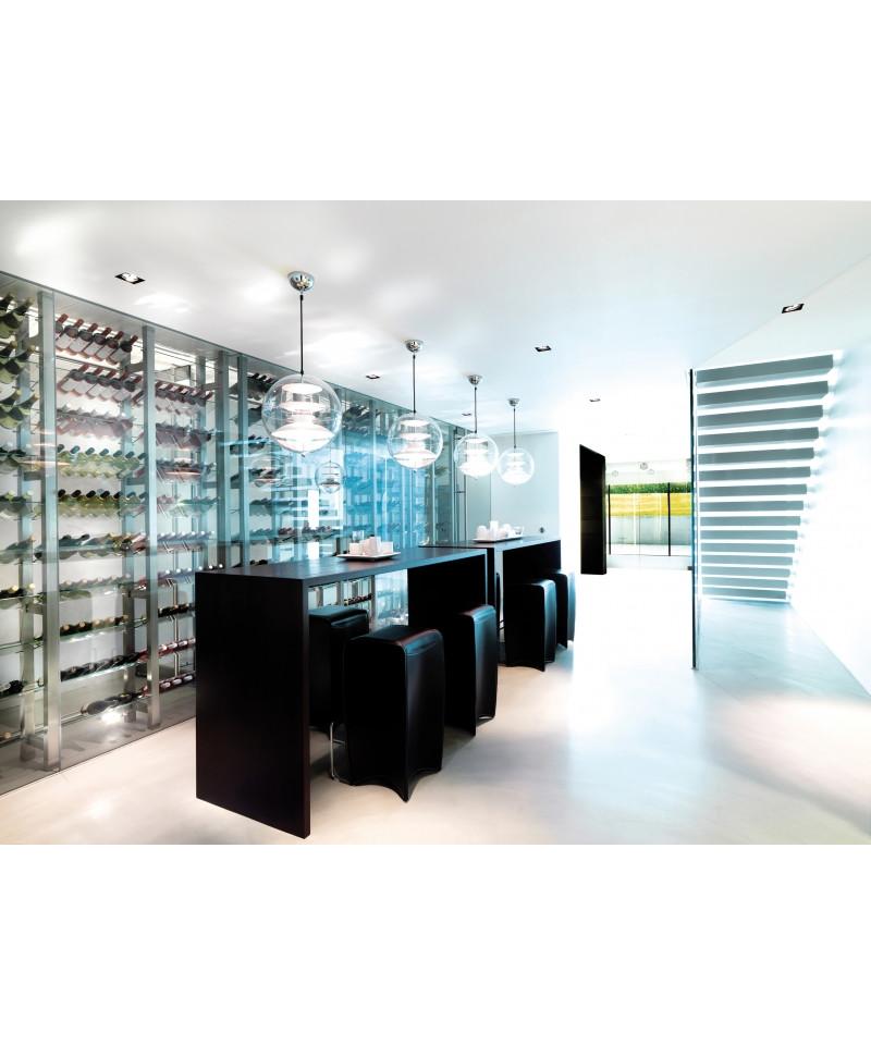 DesignVerner Panton for Verpan  Koncept Panto 40 er en transparent akryl lampe med reflektorer i udhulet aluminium med lakeret finish, farvet hvid. Yderligere er hver lampe et individuelt nummereret og med lampen følger et certifikat med lampens nummer. Dette er for at undgå parallelimport samt at styrke produktets kvalitet.