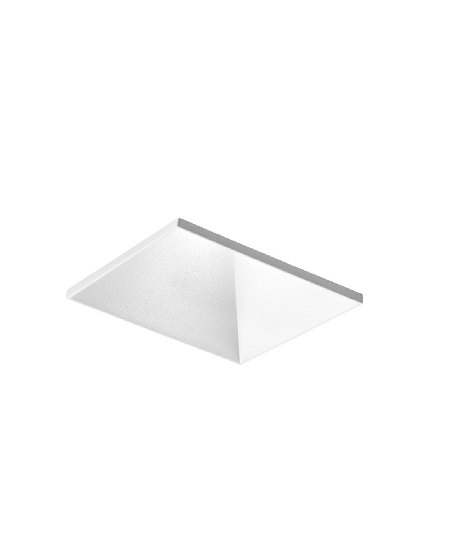 DesignRonni Gol for Light PointKoncept Curve fra LIGHT POINT er en enkel og effektiv LED loftspot til indbygning, designet af Ronni Gol. Curve Square Trimless Loftlampe Hvid er designet med en lysfaldsvinkel, så den for eksempel er perfekt til at spejle lyset på en væg fra loftet og samtidig lyser den lokalet op, men diskret - og - takket være sin tilbagetrukne lyskilde - uden at blænde. Lampen er designet til montage nedsænket næsten helt i niveau med loftet. Lampen fås både i guld, hvid og sort, samt en rund og firkantet model.