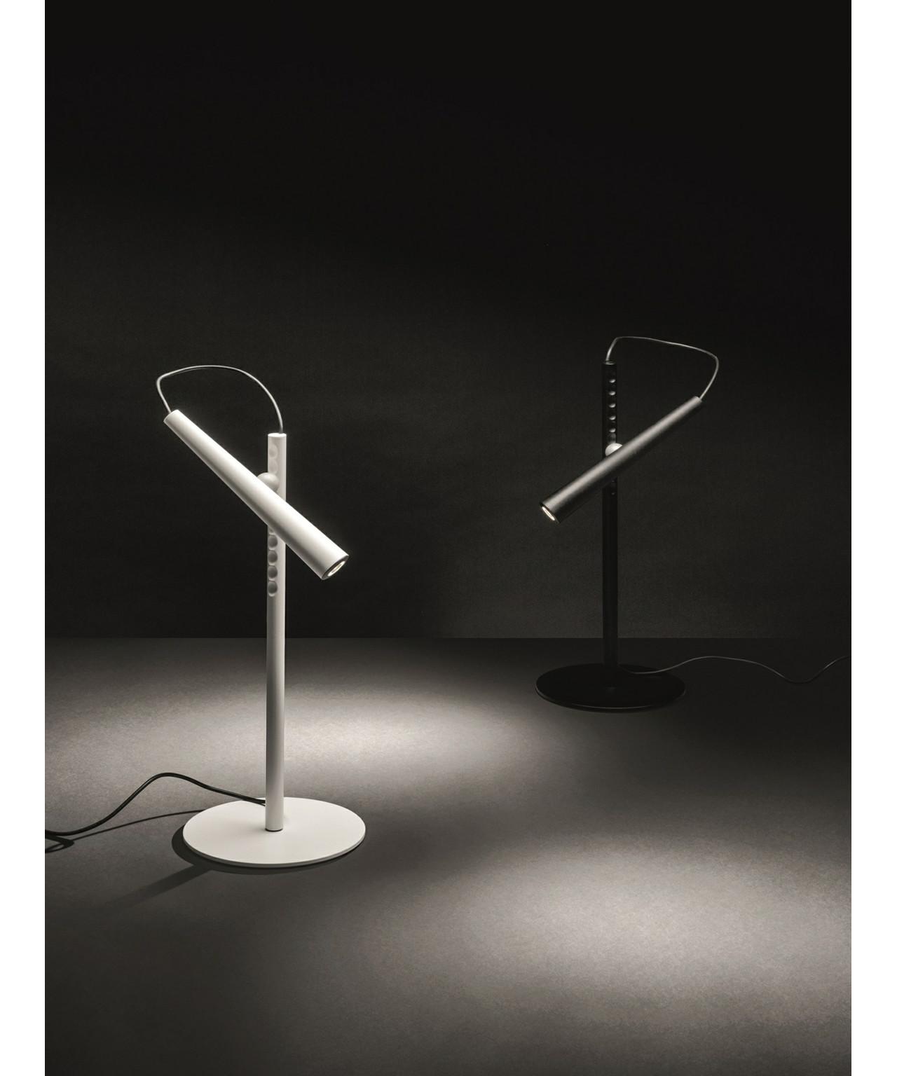 magneto tischleuchte wei foscarini. Black Bedroom Furniture Sets. Home Design Ideas