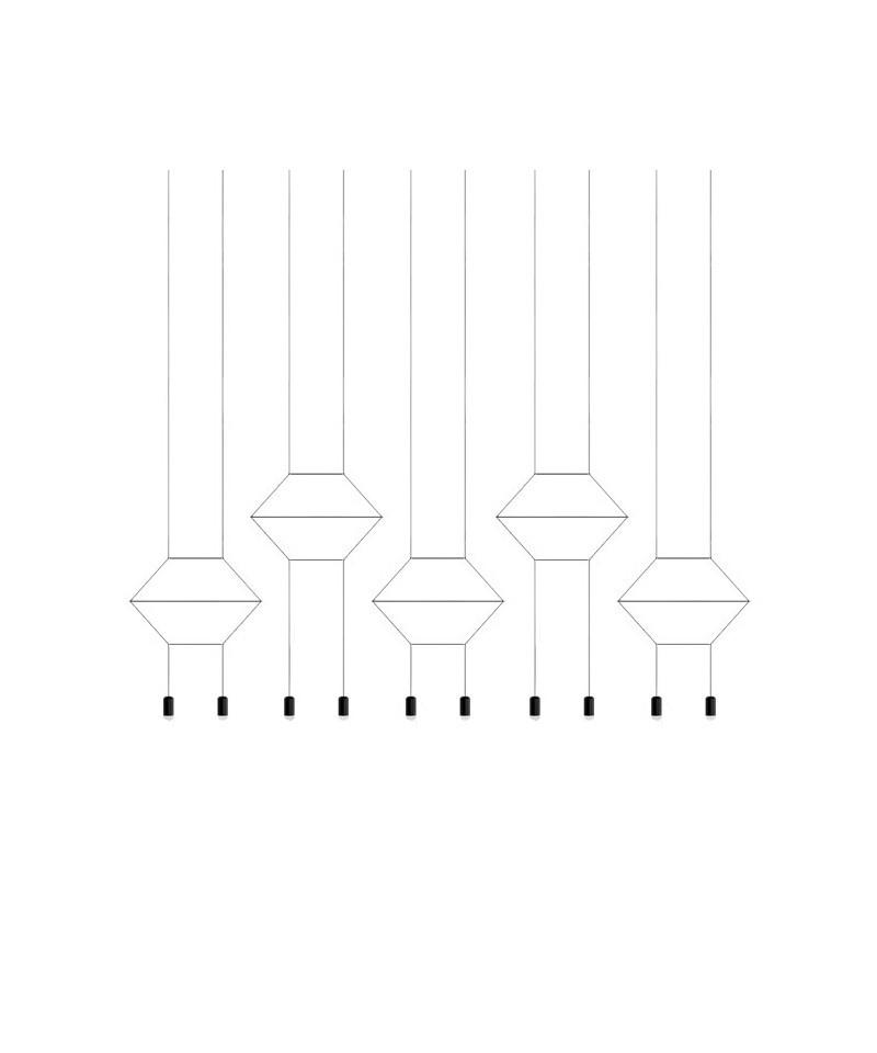 Denne smukke lampe er designet af Arik Levy for spanske Vibia, som har hovedsæde i Barcelona. Wireflow serien er nytænkning og elegance på et helt nyt niveau. Med flere forskellige modeller, kan det ikke undgås, at du kan finde en lampe der falder i din smag. Med sine geometriske og ej tidligere sete udformninger, er Wireflow ganske simpel, men samtidig vanvittig kompleks og fanger beskuerens øje med det samme. Fyld rummet på en minimalistisk måde, og få et lille kunstværk hjem i stuen, gangen eller måske over spisebordet. Lampen kommer med indbygget LED pærer. Lampen er udformet i aluminium og stål. og fås i mange modeller.