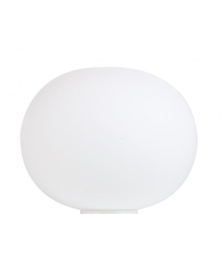 DesignJasper Morissonfor FlosKonceptGlo-Ball Basic Bordlampe er en opal mandarinformet glaslampe med flange til placering direkte på bord, gulv eller reol. Glo-Ball Basic bordlampen har en organisk form, som gør, at den er velegnet til åbne miljøer. Inkl. 4-trins lysdæmper.